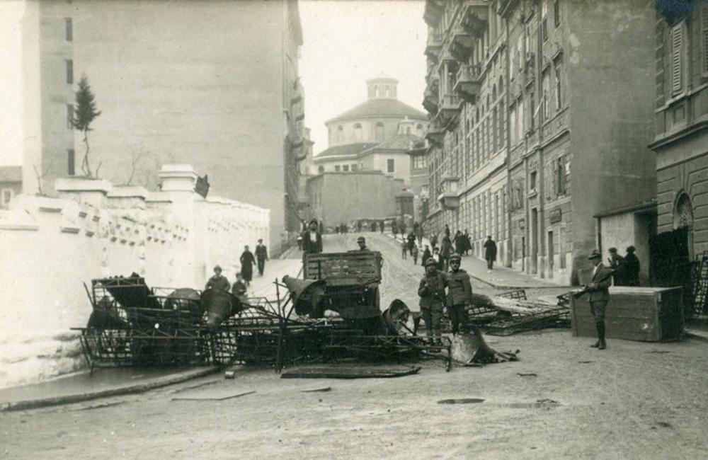 Rijeka (Fiume) barikade na Potoku. Krvavi Božić 1920. godine.